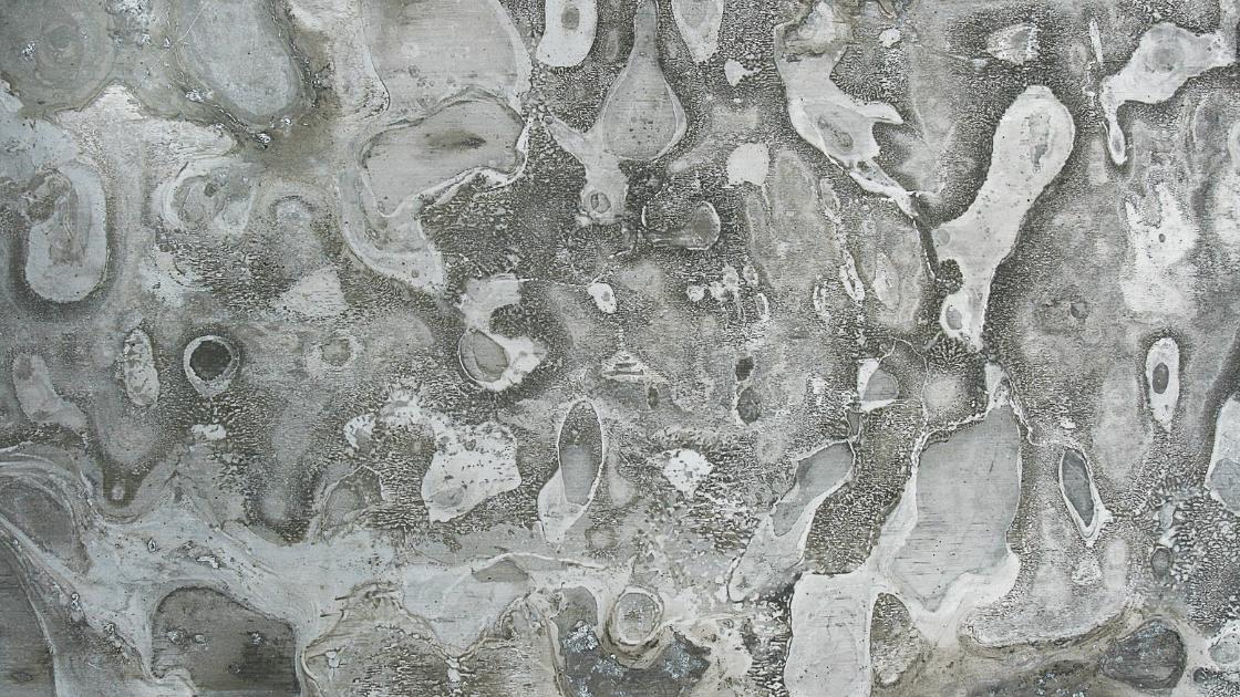 Aluminum oxidation corrosion